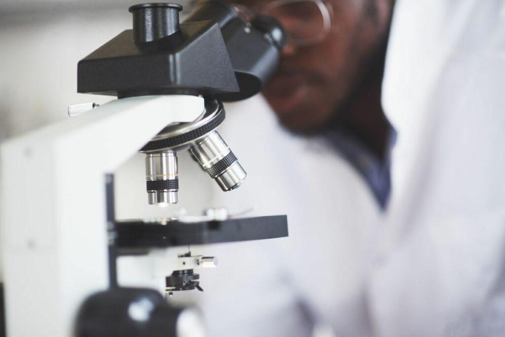 Scientifique recherche vitiligo